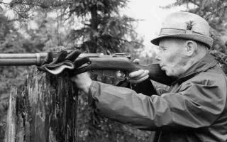 世界公认的第一狙击手:西蒙·海耶(最高击杀七百名士兵)