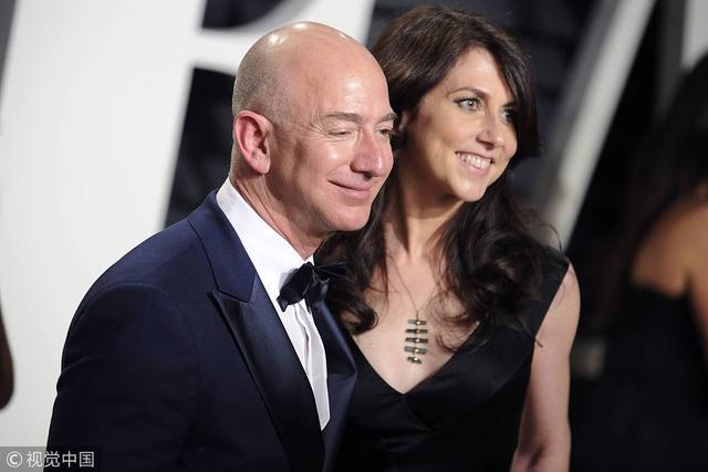 贝索斯前妻出售亚马逊部分股票,套现4亿美元-第1张图片-IT新视野