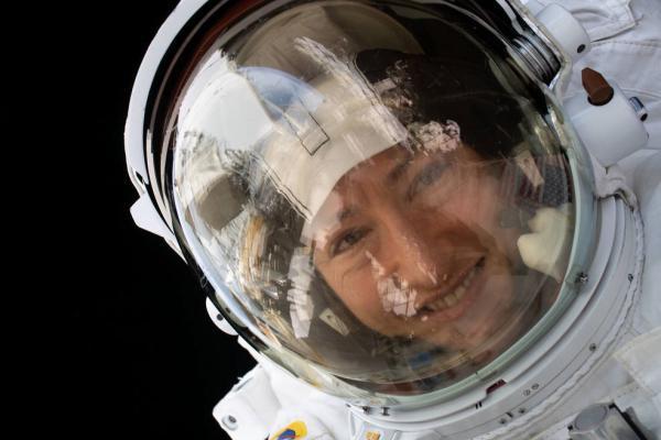 超过289天!美国宇航员打破女性单次太空飞行时间纪录-第2张图片-IT新视野