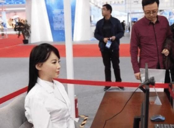 日本女性机器人遭疯抢,简直和真人一模一样-第2张图片-IT新视野