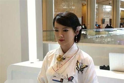 """日本女性机器人为何如此火爆,原来是她有3项""""专享服务""""-第1张图片-IT新视野"""