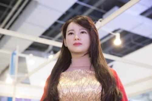 """日本女性机器人为何如此火爆,原来是她有3项""""专享服务""""-第3张图片-IT新视野"""