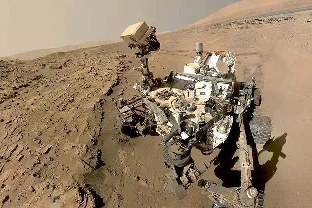 好奇号有了新发现,火星上的零件,会不会成为外星人存在的证据-第1张图片-IT新视野