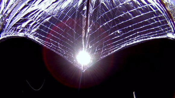 离星际旅行更近了一步,石墨烯光帆在微重力试验中获得成功-第1张图片-IT新视野