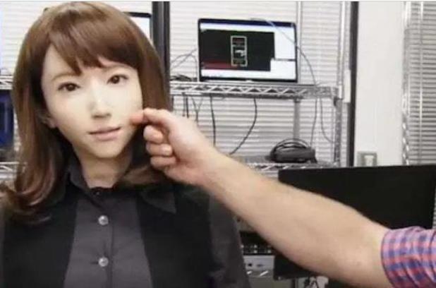 日本美女机器人横空出世,内部结构让人大开眼界,网友:太逼真了-第3张图片-IT新视野