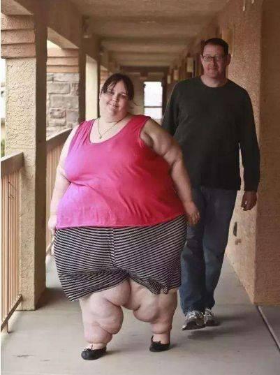 世界上最重的人苏珊娜.埃曼重达1450斤(堪比一头大象)-第1张图片-IT新视野