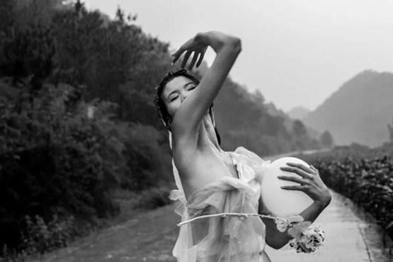 23岁女孩当乡村超模走秀-第2张图片-IT新视野