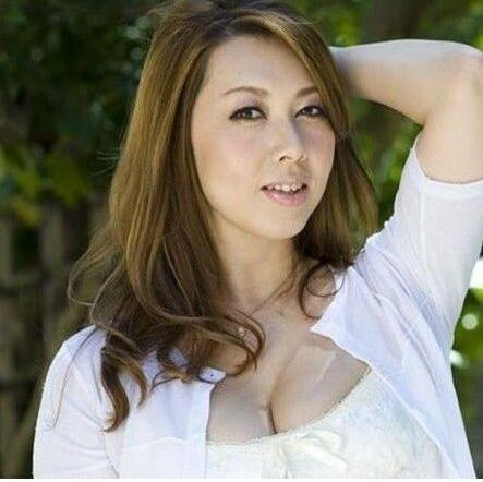 风间由美:日本作品最多的女星,号称日本熟女女王-第2张图片-IT新视野
