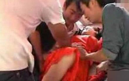 山洞泰安伴娘事件视频,16岁伴娘遭十名猛汉扒光衣服猥亵-第2张图片-IT新视野